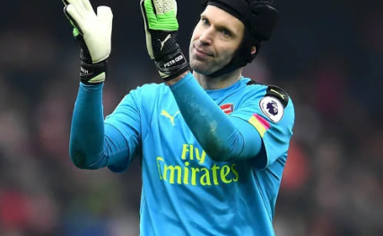 Arsenal goalkeeper Petr Cech announces retirement